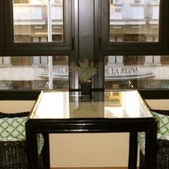 Отель Hostal Montecarlo балкон