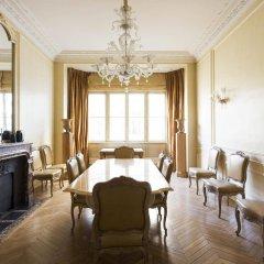 Отель onefinestay - Trocadéro apartments Франция, Париж - отзывы, цены и фото номеров - забронировать отель onefinestay - Trocadéro apartments онлайн комната для гостей