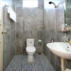 Отель Center Homestay ванная фото 2