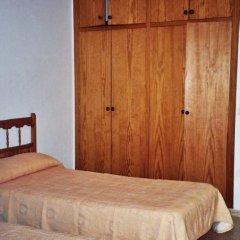 Отель Apartamentos Turísticos Es Daus комната для гостей