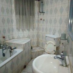 Hail Henrietta Hotel ванная