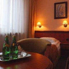 Отель Senator в номере