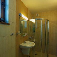 Отель Forest Nook Villas Болгария, Пампорово - отзывы, цены и фото номеров - забронировать отель Forest Nook Villas онлайн ванная