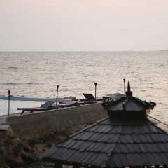 Отель Golden Cliff House пляж