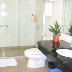 Отель Yinyi Hotel Китай, Чжуншань - отзывы, цены и фото номеров - забронировать отель Yinyi Hotel онлайн ванная фото 2