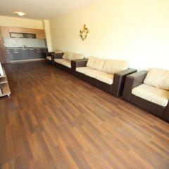 Апартаменты Menada Villa Bonita Apartments Солнечный берег комната для гостей фото 3