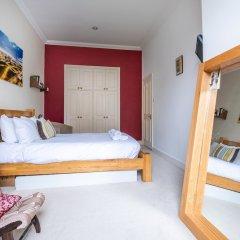 Отель Enchanting Home by Holloway Road Station комната для гостей фото 3