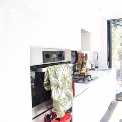 Отель Bright Home in Stoke Newington в номере