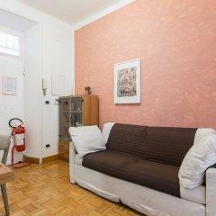 Апартаменты Urbana Apartment Colosseum комната для гостей