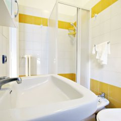Отель Cozy & Lively Vatican Apartment Италия, Рим - отзывы, цены и фото номеров - забронировать отель Cozy & Lively Vatican Apartment онлайн ванная