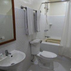 Отель Garden Plaza Hotel Филиппины, Манила - отзывы, цены и фото номеров - забронировать отель Garden Plaza Hotel онлайн ванная
