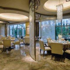 Отель DoubleTree by Hilton Hotel Xiamen - Wuyuan Bay Китай, Сямынь - отзывы, цены и фото номеров - забронировать отель DoubleTree by Hilton Hotel Xiamen - Wuyuan Bay онлайн питание фото 2