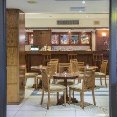 Manousos City Hotel гостиничный бар