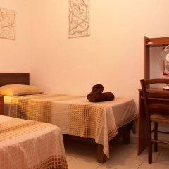 Отель Spinola Bay Apartment Мальта, Сан Джулианс - отзывы, цены и фото номеров - забронировать отель Spinola Bay Apartment онлайн комната для гостей фото 4