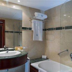Отель Eurostars Ciudad De La Coruna Hotel Испания, Ла-Корунья - 1 отзыв об отеле, цены и фото номеров - забронировать отель Eurostars Ciudad De La Coruna Hotel онлайн ванная фото 2