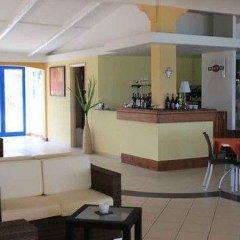 Отель Villaggio Centro Vacanze De Angelis Нумана гостиничный бар