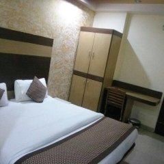 Hotel Dwarkadhish Intercontinental комната для гостей