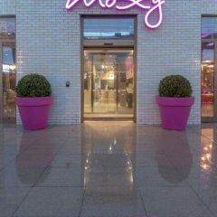 Отель Moxy London Excel вид на фасад фото 2