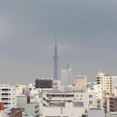 Отель APA Hotel Ningyocho-Eki-Kita Япония, Токио - отзывы, цены и фото номеров - забронировать отель APA Hotel Ningyocho-Eki-Kita онлайн балкон