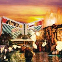 Отель The Mirage США, Лас-Вегас - 10 отзывов об отеле, цены и фото номеров - забронировать отель The Mirage онлайн развлечения