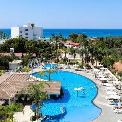 Christofinia Hotel бассейн