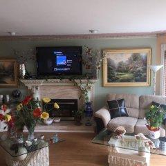 Отель Diana's Luxury Bed and Breakfast Канада, Ванкувер - отзывы, цены и фото номеров - забронировать отель Diana's Luxury Bed and Breakfast онлайн интерьер отеля фото 2