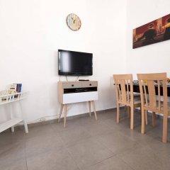 Sweet Inn Apartments Tel Aviv Израиль, Тель-Авив - отзывы, цены и фото номеров - забронировать отель Sweet Inn Apartments Tel Aviv онлайн комната для гостей фото 3