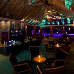 Отель Kuredu Island Resort гостиничный бар