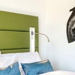 Отель Indigo Düsseldorf - Victoriaplatz Германия, Дюссельдорф - отзывы, цены и фото номеров - забронировать отель Indigo Düsseldorf - Victoriaplatz онлайн сейф в номере