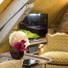 Отель Relais Des Halles Париж гостиничный бар