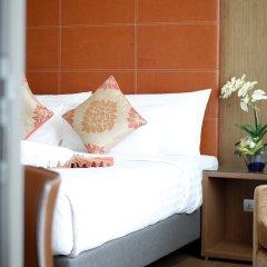 Отель On8 Sukhumvit Nana Bangkok by Compass Hospitality балкон
