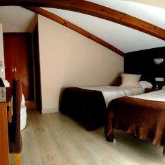 Отель Turismo Rural Remoña сейф в номере