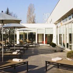 Отель Pullman Toulouse Airport Франция, Бланьяк - отзывы, цены и фото номеров - забронировать отель Pullman Toulouse Airport онлайн бассейн