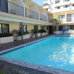 Отель Days Inn by Wyndham Hollywood Near Universal Studios США, Лос-Анджелес - 1 отзыв об отеле, цены и фото номеров - забронировать отель Days Inn by Wyndham Hollywood Near Universal Studios онлайн бассейн