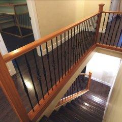 Отель LUXE Retreat at 8050 Kaymar Dr. Канада, Бурнаби - отзывы, цены и фото номеров - забронировать отель LUXE Retreat at 8050 Kaymar Dr. онлайн балкон