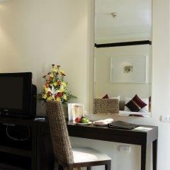 Отель Thara Patong Beach Resort & Spa Таиланд, Пхукет - 7 отзывов об отеле, цены и фото номеров - забронировать отель Thara Patong Beach Resort & Spa онлайн удобства в номере фото 2