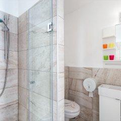 Отель Amber Gardenview Studios ванная фото 4