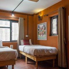 Отель WanderThirst Hostels Непал, Катманду - отзывы, цены и фото номеров - забронировать отель WanderThirst Hostels онлайн сейф в номере
