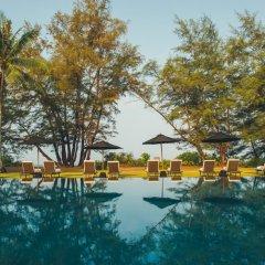 Отель SALA Phuket Mai Khao Beach Resort бассейн фото 2