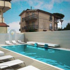 Hotel Smeraldo Куальяно бассейн