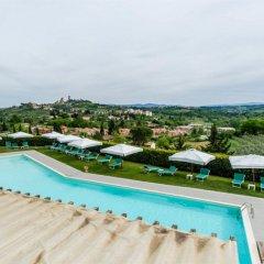 Отель Relais Cappuccina Ristorante Hotel Италия, Сан-Джиминьяно - 1 отзыв об отеле, цены и фото номеров - забронировать отель Relais Cappuccina Ristorante Hotel онлайн бассейн