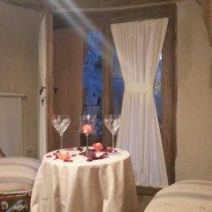 Отель Demisos Caves в номере