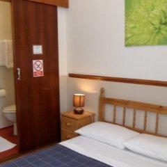 Hotel Meridiana Лондон сейф в номере