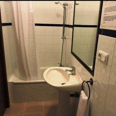 Отель La Fonda del Califa Испания, Аркос -де-ла-Фронтера - отзывы, цены и фото номеров - забронировать отель La Fonda del Califa онлайн ванная