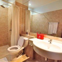Отель Zen Rooms Ratchadaphisek Soi Sukruamkan Бангкок ванная фото 2