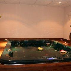 Отель Grand Royale Apartment Complex & Spa Болгария, Банско - отзывы, цены и фото номеров - забронировать отель Grand Royale Apartment Complex & Spa онлайн бассейн фото 2