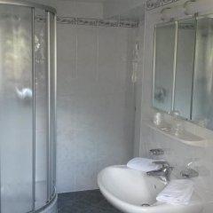 Отель Alpenblick Италия, Горнолыжный курорт Ортлер - отзывы, цены и фото номеров - забронировать отель Alpenblick онлайн ванная фото 2