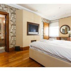 Отель Rare and Gorgeous Hyde Park Mews House Sleeps 8 комната для гостей фото 3