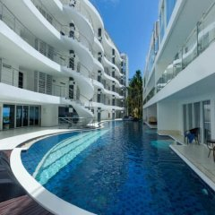 Отель Sunset Plaza Phuket A5 бассейн