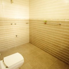 Отель Frangipani Motel Шри-Ланка, Галле - отзывы, цены и фото номеров - забронировать отель Frangipani Motel онлайн ванная фото 2